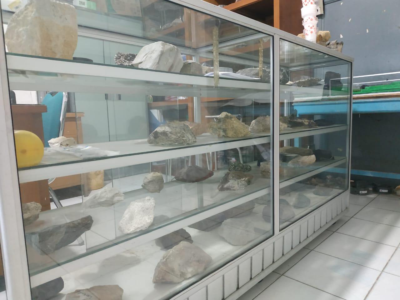 Laboratorium Teknik Pertambangan