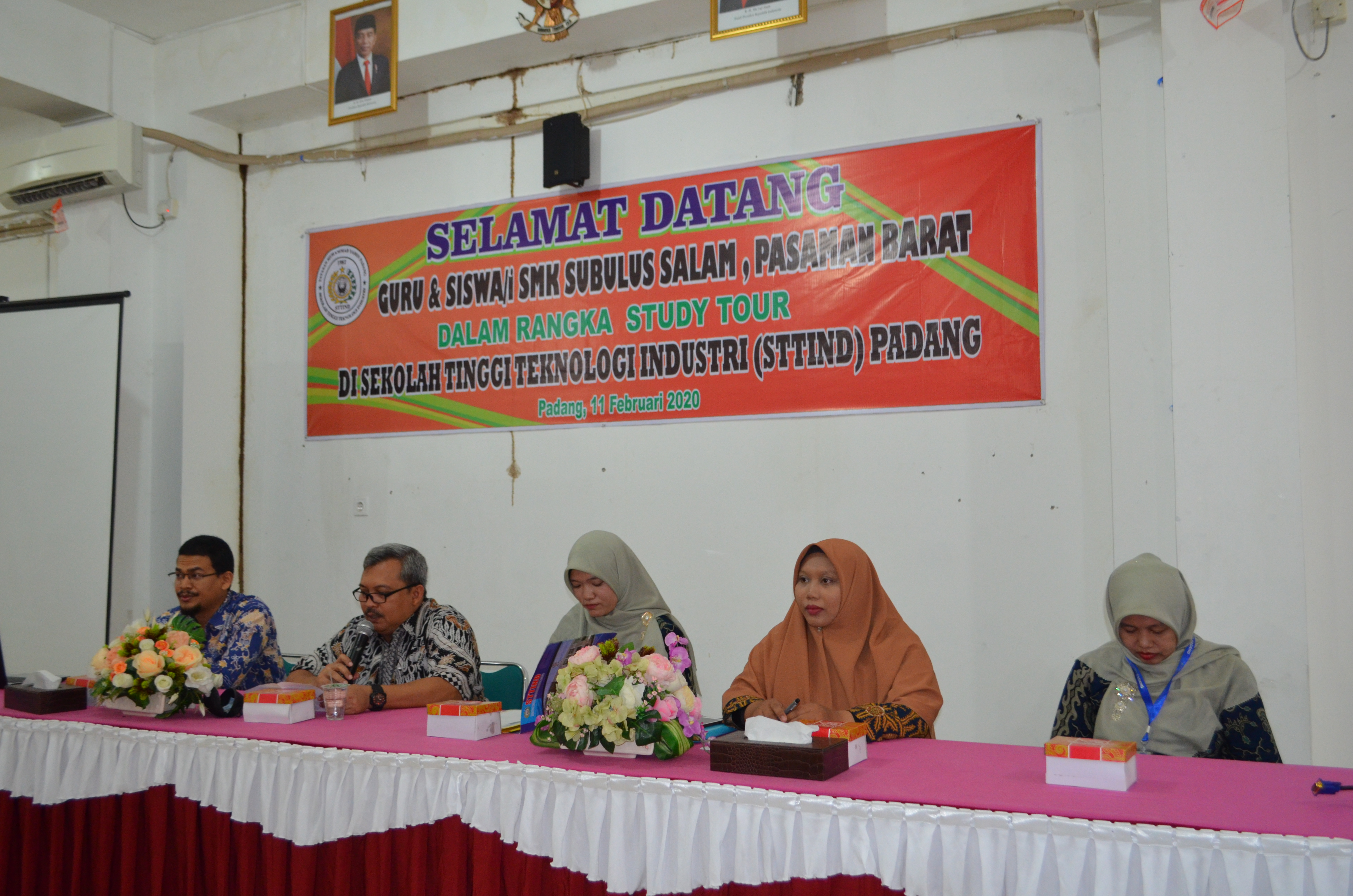 Study Tour SMK Swasta Subussalam Kabupaten Pasaman Barat ke Kampus STTIND Padang