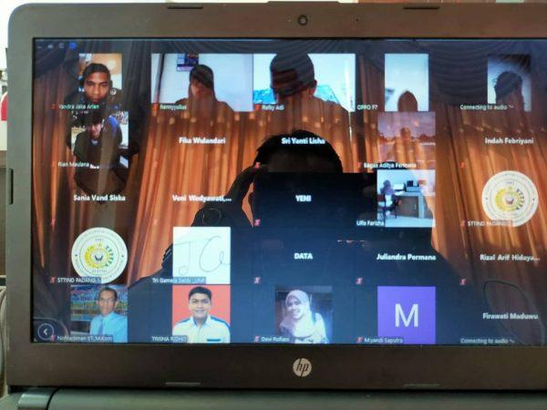 Berhasil Dengan Webinar Pengabdian Masyarakat Virtualnya ,STTIND Padang Persiapkan Kembali Webinar yang lebih menarik.
